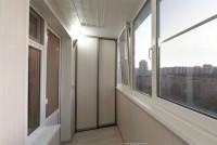 Теплое остекление REHAU, отделка ламинированными панелями, утепление, шкаф